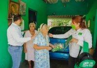 Familias de Madrid solicitan a Yolanda Llamas la construcción del arco de bienvenida a la comunidad