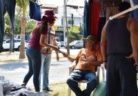 Rosi Bayardo presenta sus propuestas a ciudadanos en Santiago