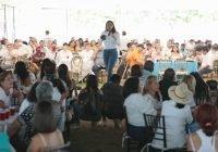 Respaldo masivo de maestras y maestros a Indira Vizcaíno