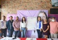 Riult Rivera firma compromisos con gremio artístico cultural