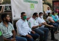 """En Coquimatlán, recorren colonia centro José Manuel """"Kino"""" y Carlos Chavira"""