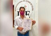 Elías Lozano recibe constancia de mayoría de votos que lo acredita como Alcalde electo de Tecomán