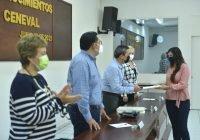 Entrega rector el premio CENEVALal desempeño de la excelencia