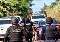"""Comando armado """"levanta"""" a policía estatal en Cofradía de Morelos, Tecomán"""