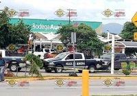 Asesinan a pareja en estacionamiento de Bodega Aurrerá, Salagua, Manzanillo