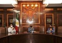 Programa de becas de nivel superior y que el gobierno sí cumpla a la Universidad, propone Indira