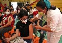 Inicia vacunación anti COVID-19 a personas mayores de 18 años
