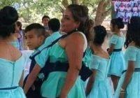 Maestra baila el vals de graduación junto a su alumno con discapacidad