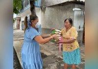 DIF Tecomán distribuye dotaciones de arroz a 400 familias vulnerables