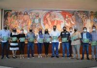Se imprime para su distribución el Plan de Manejo de Arbolado Urbano del municipio de Colima.